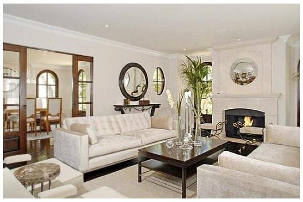 Prop sito de a o nuevo m s espacio en casa el desv n for Casas modernas por dentro